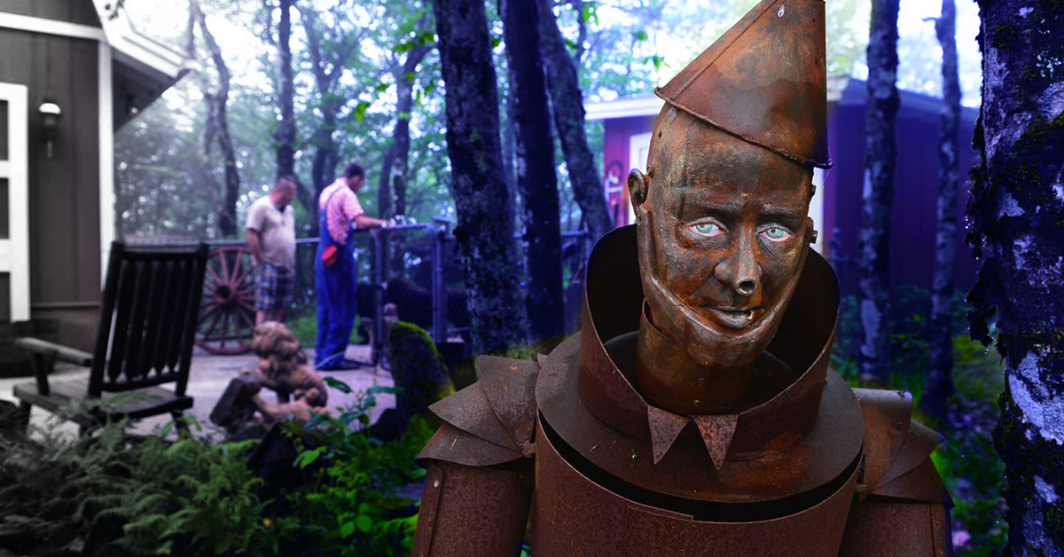 25 Photos Of Deserted Theme Parks That Give Us The Heebie Jeebies
