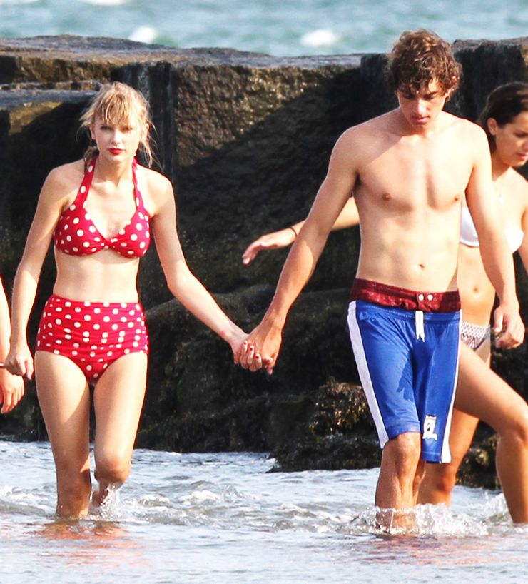 20 Photos Of Men Taylor Swift Has Been Spotted On Vacation With