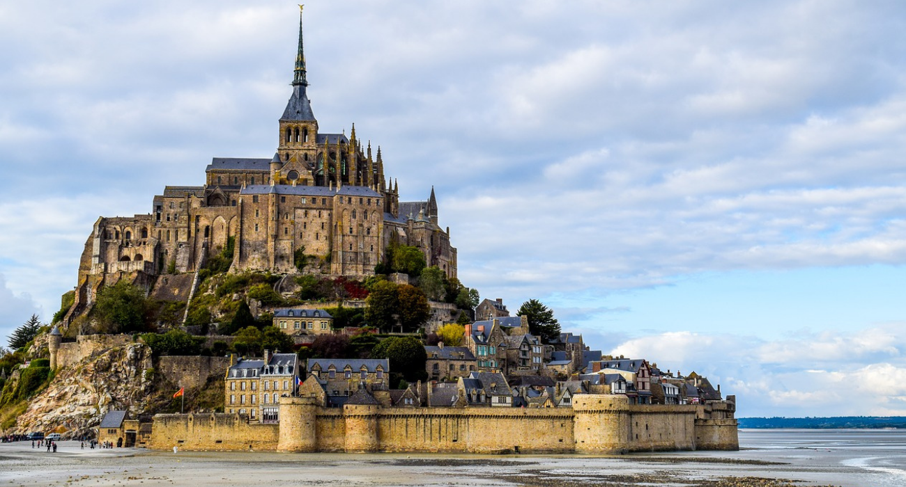 This Is Why The Tidal Castle Isle Of Mont-Saint-Michel In France Is So Iconic