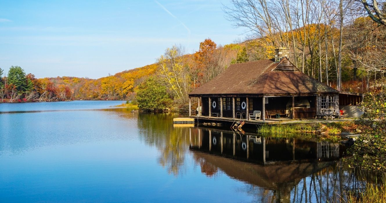 If You're Looking For A Budget-Friendly Lakeside Retreat, Try These Destinations On For Size